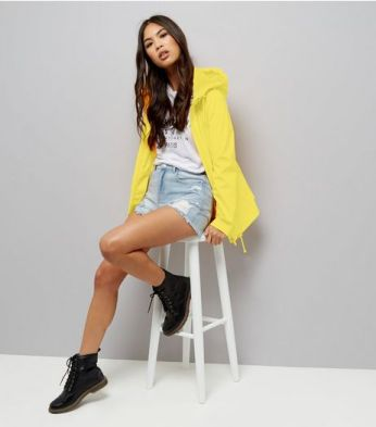 http://www.newlook.com/shop/womens/jackets-and-coats/yellow-matte-anorak_514489985