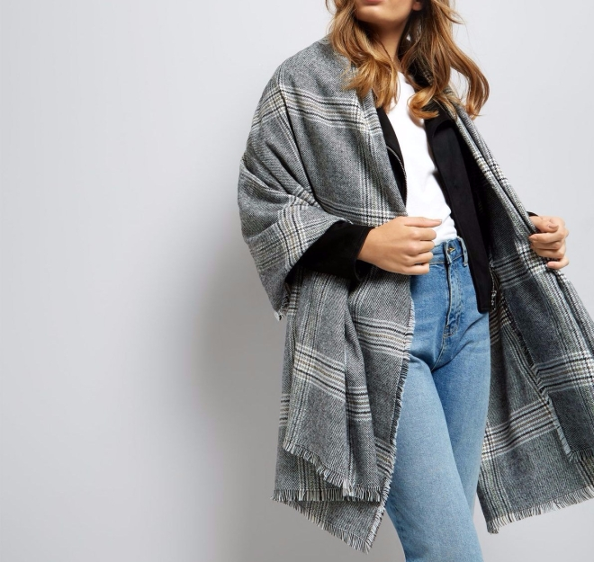 black-check-oversized-scarf-e1503486225791.jpg