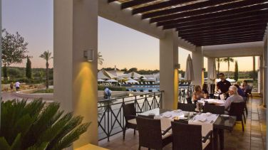 vale-d-oliveiras-quinta-resort-amp-spa-galleryterrace-olive-tree-restaurant